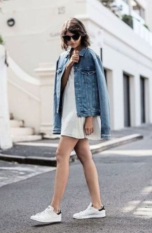 Latest Jeans Outfits Ideas For Spring31