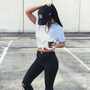 Latest Jeans Outfits Ideas For Spring38