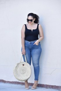 Latest Jeans Outfits Ideas For Spring39
