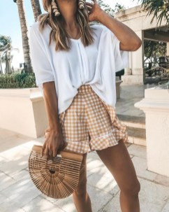 Lovely Spring Outfits Ideas With White Top13