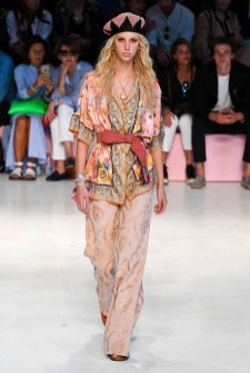 Pretty Fashion Outfit Ideas For Spring21
