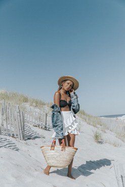 Stylish Fashion Beach Outfit Ideas16