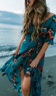 Stylish Fashion Beach Outfit Ideas30