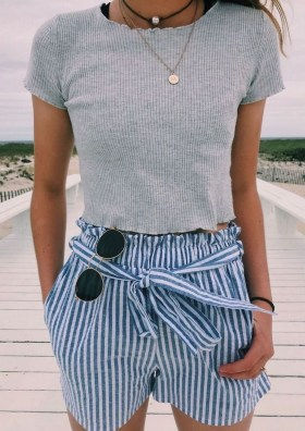 Attractive Spring Outfits Ideas42
