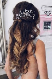 Beautiful Long Hairstyle Ideas For Women03