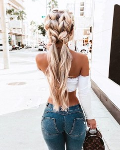 Beautiful Long Hairstyle Ideas For Women13