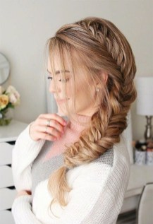 Beautiful Long Hairstyle Ideas For Women19
