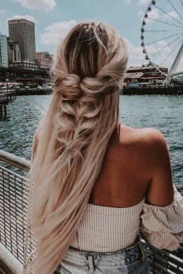Beautiful Long Hairstyle Ideas For Women26