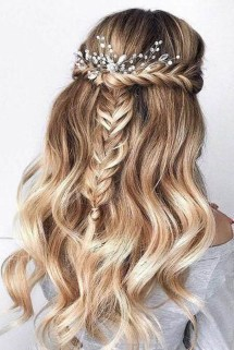 Beautiful Long Hairstyle Ideas For Women40