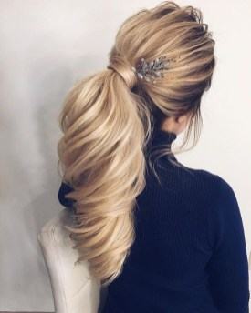 Charming Ponytail Hairstyles Ideas With Sophisticated Vibe21