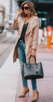 Fabulous Spring Outfits Ideas To Wear Now18