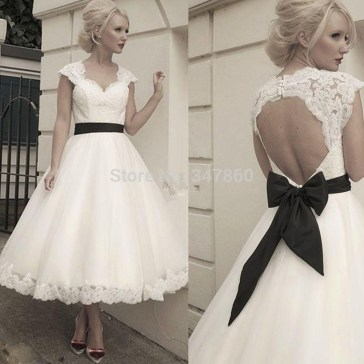 Gorgeous Tea Length Wedding Dresses Ideas24