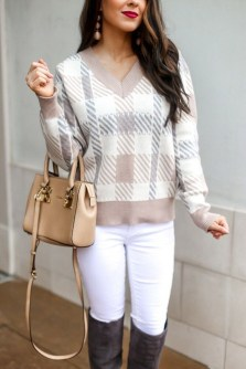 Impressive Sweater Outfits Ideas For Spring07