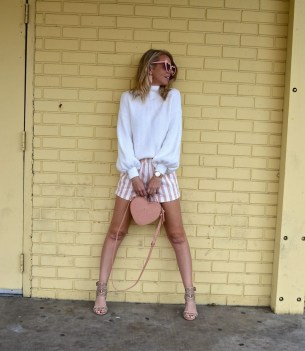 Impressive Sweater Outfits Ideas For Spring28