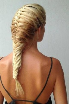 Stylish Mermaid Braid Hairstyles Ideas For Girls06
