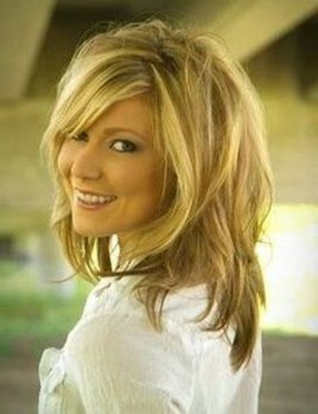 Beautiful Long And Medium Hairstyle Ideas For Women15