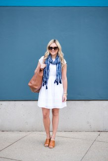 Best Ideas To Wear A Scarf Stylishly This Spring23