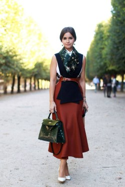 Best Ideas To Wear A Scarf Stylishly This Spring34