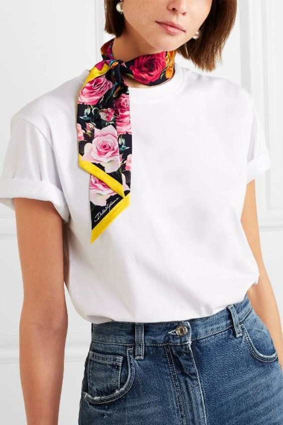 Best Ideas To Wear A Scarf Stylishly This Spring37