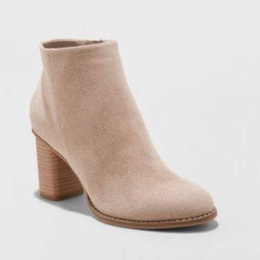 Best Ideas To Wear Wide Ankle Boots This Spring02