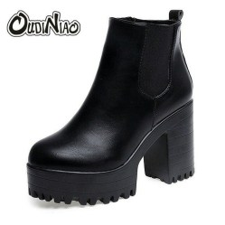 Best Ideas To Wear Wide Ankle Boots This Spring08