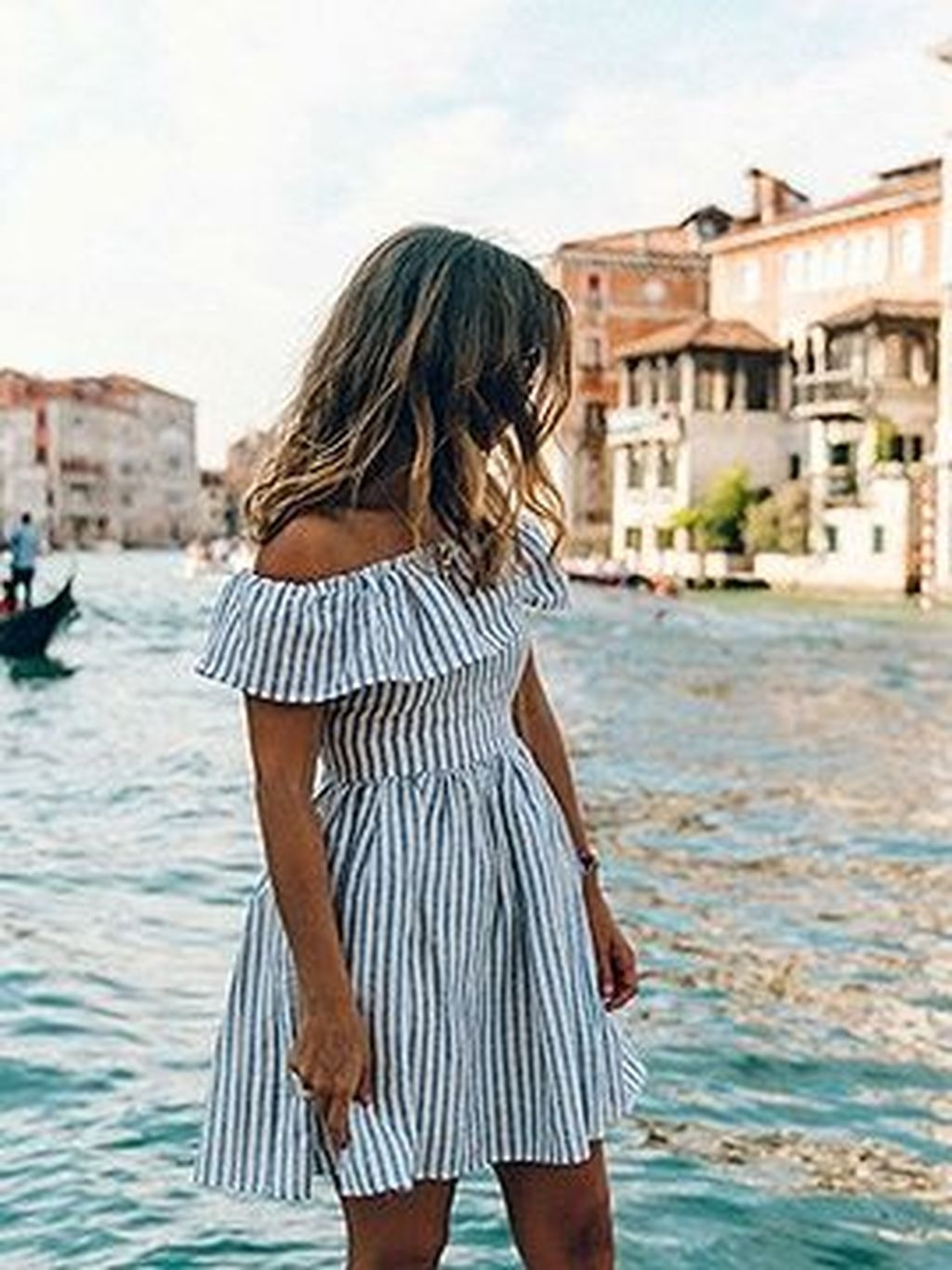 Cozy Open Shoulders Dresses Ideas For Summer26