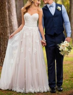Newest Lace Sweetheart Wedding Dresses Ideas For Spring02