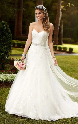 Newest Lace Sweetheart Wedding Dresses Ideas For Spring18