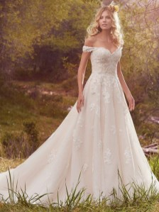 Newest Lace Sweetheart Wedding Dresses Ideas For Spring22