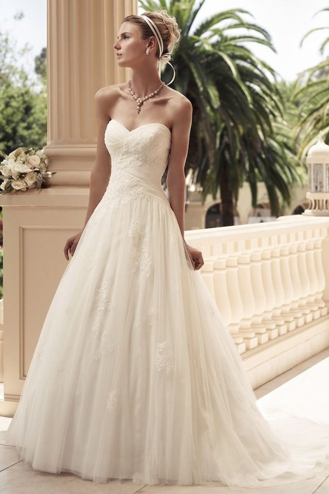 Newest Lace Sweetheart Wedding Dresses Ideas For Spring33