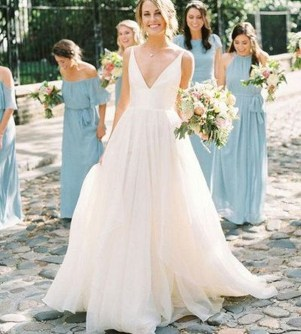 Pretty V Neck Tulle Wedding Dress Ideas For 201917