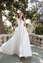 Pretty V Neck Tulle Wedding Dress Ideas For 201920