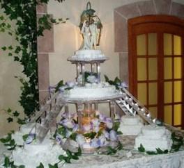 Pretty Wedding Cake Ideas For Old Fashioned29