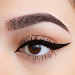 Stunning Eyeliner Makeup Ideas For Women19