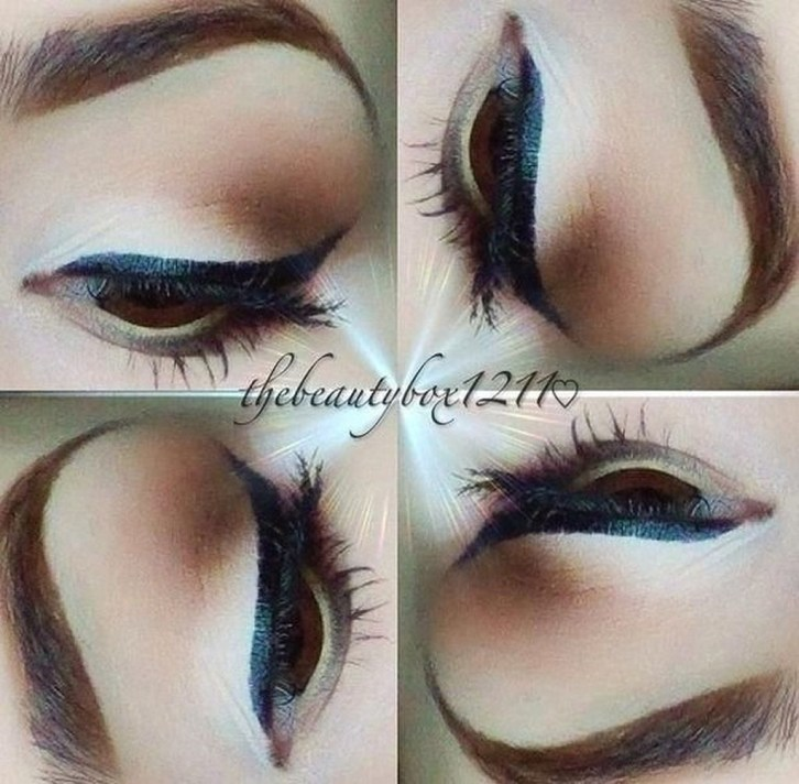 Stunning Eyeliner Makeup Ideas For Women25