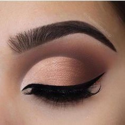 Stunning Eyeliner Makeup Ideas For Women37