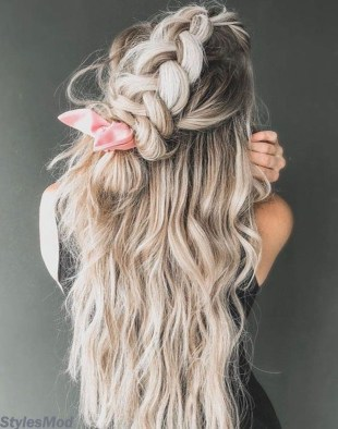 Captivating Boho Hairstyle Ideas For Curly And Straight Hair17