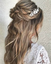 Captivating Boho Hairstyle Ideas For Curly And Straight Hair21