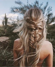Captivating Boho Hairstyle Ideas For Curly And Straight Hair36