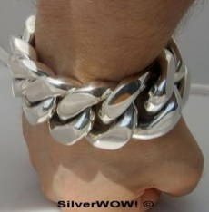 Captivating Silver Accessories Ideas For Add In Your Appearance05