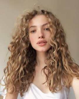 Classy Curly Hairstyles Design Ideas For Teenage In 201906