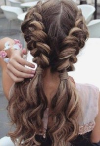 Classy Curly Hairstyles Design Ideas For Teenage In 201920