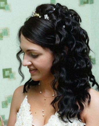 Classy Curly Hairstyles Design Ideas For Teenage In 201943