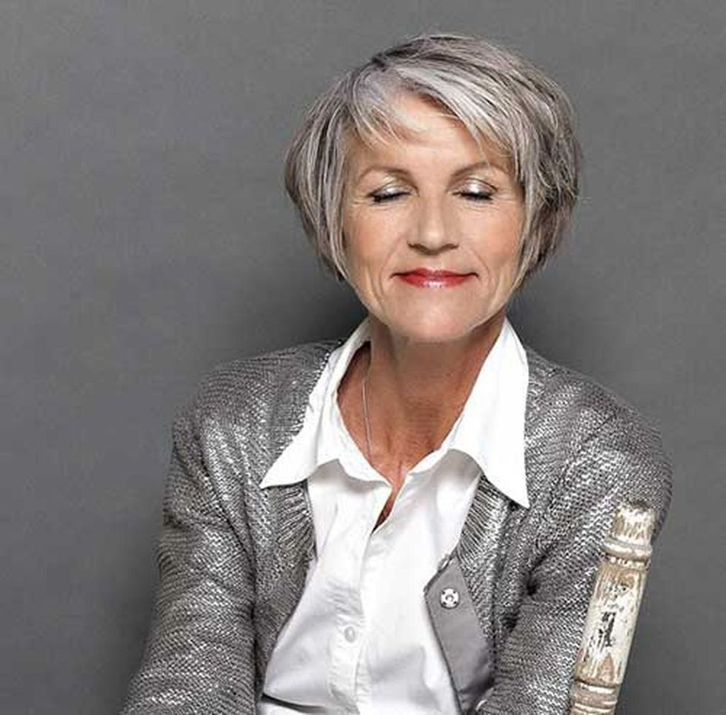 Cute Short Hairstyles Ideas For Women Over 5002