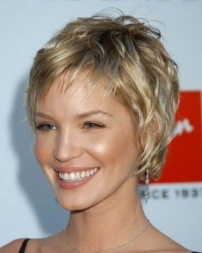 Cute Short Hairstyles Ideas For Women Over 5041