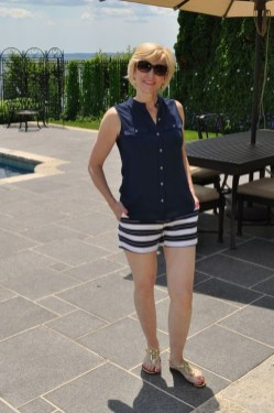 Elegant Summer Outfits Ideas For Women Over 40 Years Old35