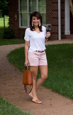 Elegant Summer Outfits Ideas For Women Over 40 Years Old42
