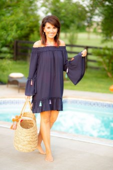 Elegant Summer Outfits Ideas For Women Over 40 Years Old46