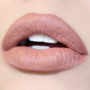Fancy Lips Colour Ideas For Party25