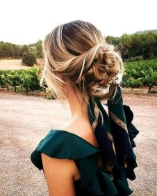Fashionable Hairstyle Ideas For Summer Wedding Guest05